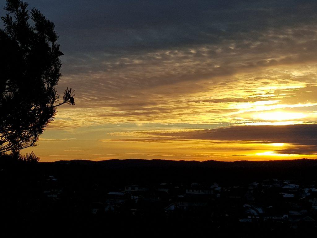 Himmelen rett før solnedgang